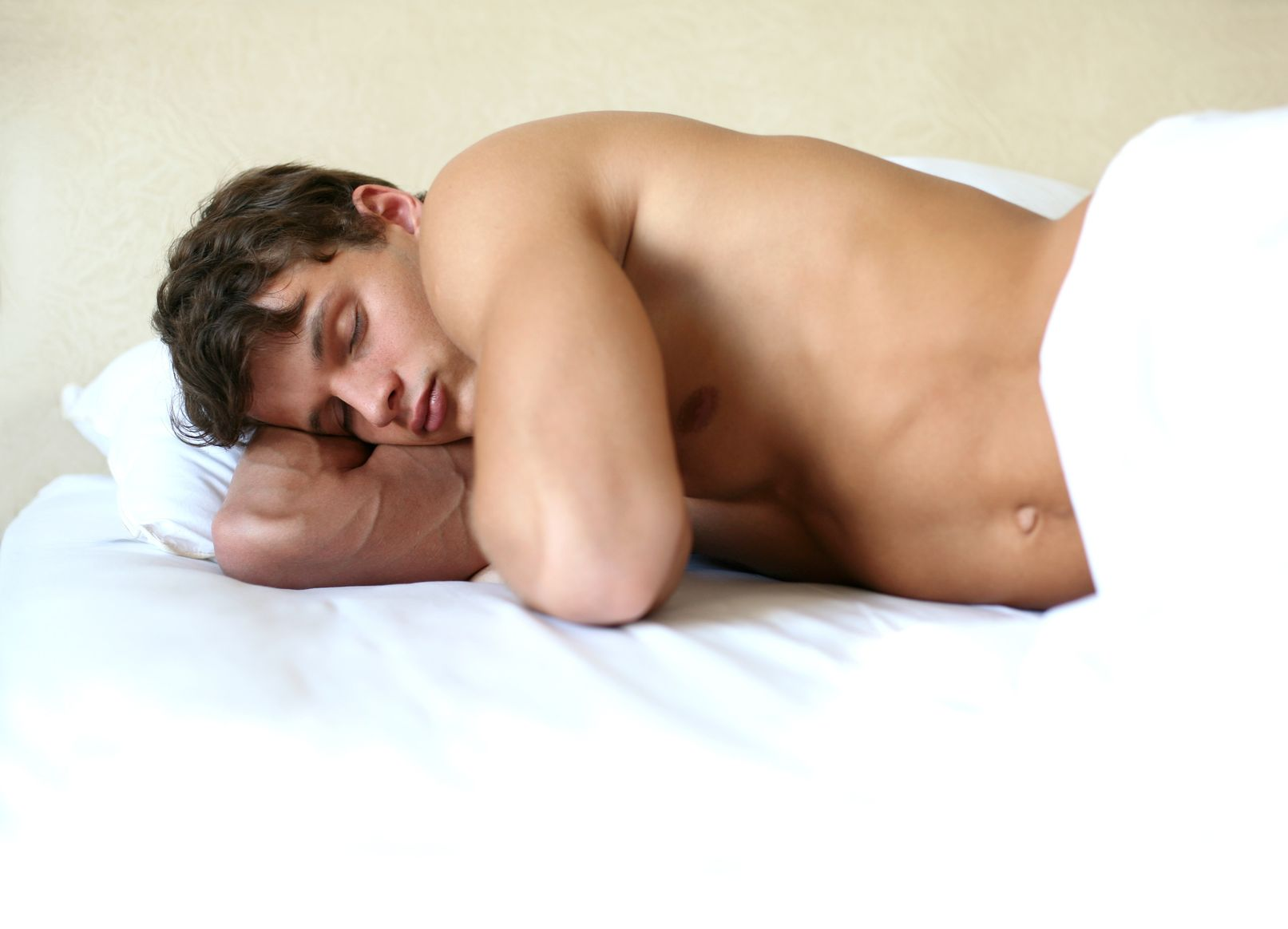 Health reasons you should sleep naked
